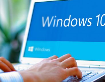 What are the risks of using pirated Windows 10?